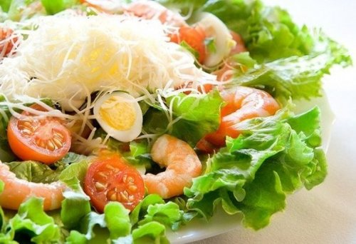 Салат с креветками и сыром, Кафе Кафе «Ирина»