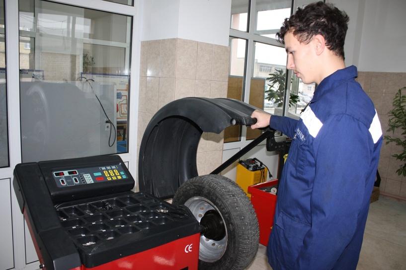 В Тамбове выбрали лучших в стране автомеханика и специалиста по ремонту транспорта
