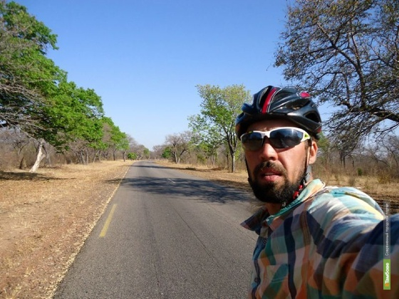 Тамбовский велопутешественник отметил в Африке день рождения