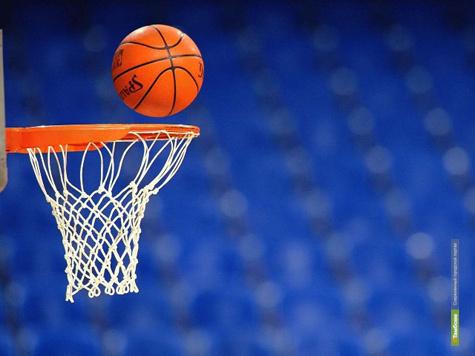Тамбовские баскетболисты уступили команде из Липецка с большим отрывом