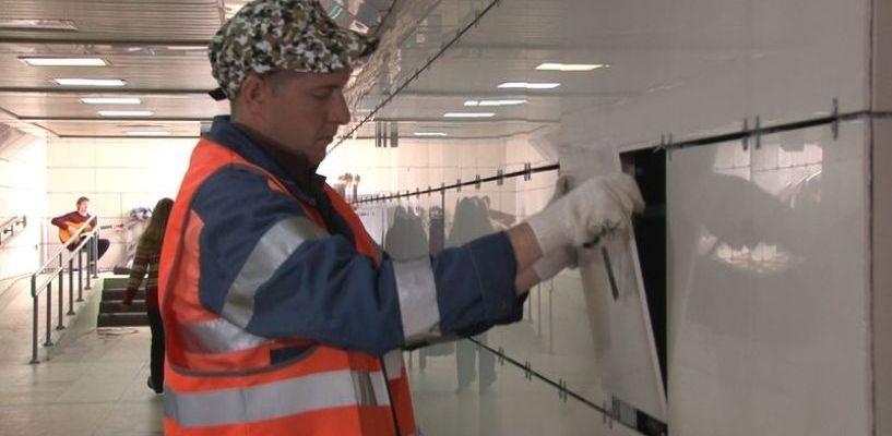 Городские объекты разбивают вандалы: тамбовчане портят остановки и плитку