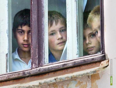 Приставы заставят власти регулярно обследовать жилусловия сирот