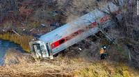 Поезд, потерпевший крушение в Нью-Йорке, превысил скорость в три раза
