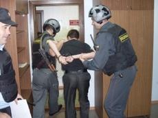 """Тамбовчанин пытался пронести в суд заряженную """"Осу"""""""