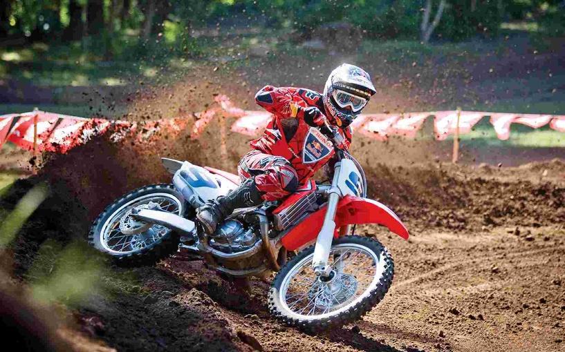 Тамбовский гонщик поучаствовал в пензенском мотокроссе