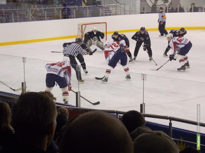 У хоккеистов Тамбова продолжается полоса проигрышей