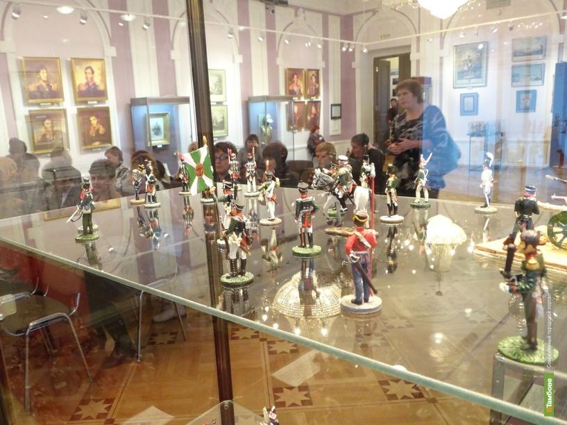 Кутузова и Наполеона в миниатюре выставили на обозрение тамбовчан