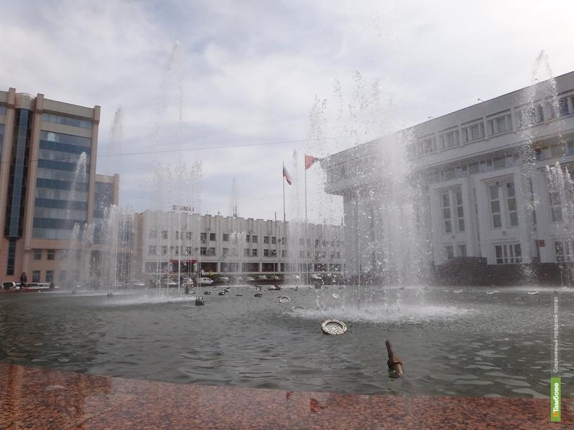В Тамбове провели пробный запуск фонтана у Белого дома