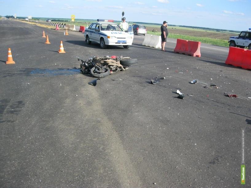 В Никифоровском районе мотоцикл врезался во встречный автомобиль