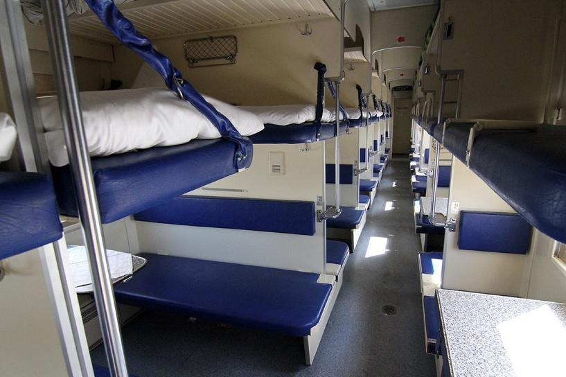 РЖД хочет заменить плацкартные вагоны на двухэтажные купейные