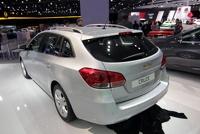 Стали известны цены на универсал Chevrolet Cruze