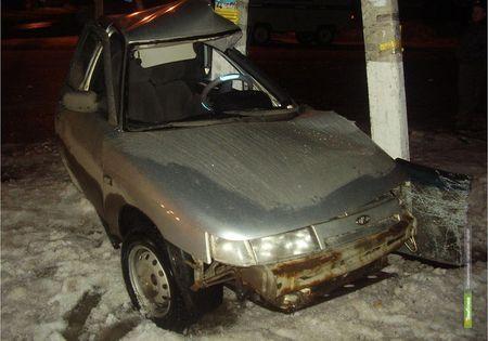 Тамбовский автомобилист влетел в столб