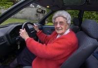 Пожилым водителям урежут права