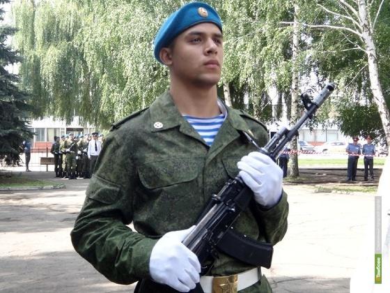 Тамбовские десантники собирают украинцам крупы и консервы