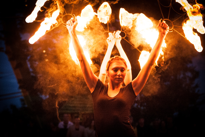 Фаерщики Тамбова устроили благотворительный концерт