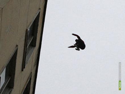 В Тамбове строитель погиб, упав с крыши