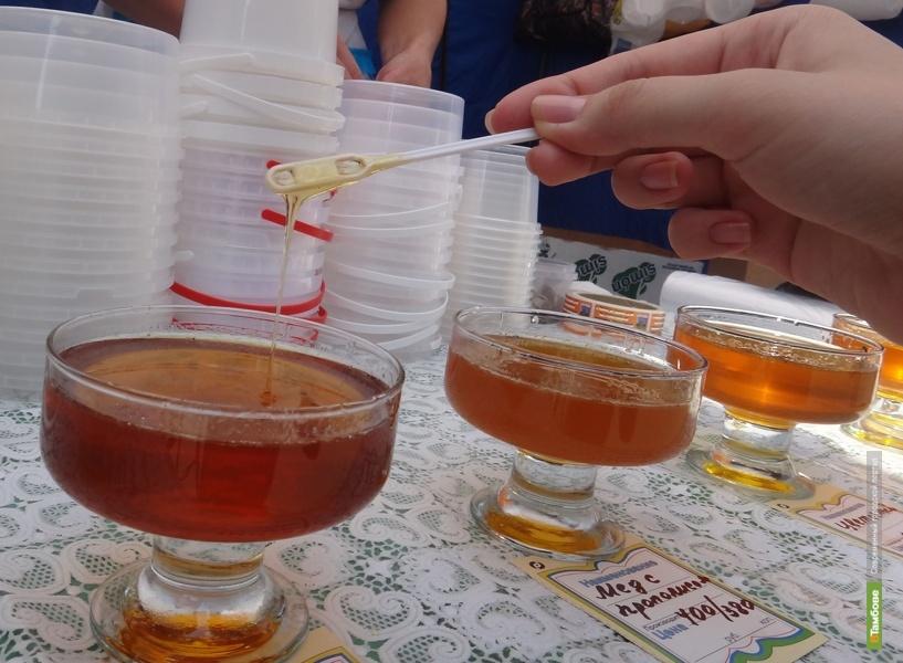 В Тамбове открылась ежегодная ярмарка меда