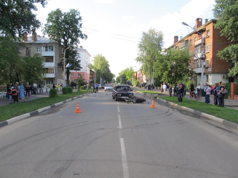 В Котовске скутерист решил не пропускать легковушку