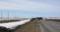 Девушка на иномарке влетела на трассе в грузовик