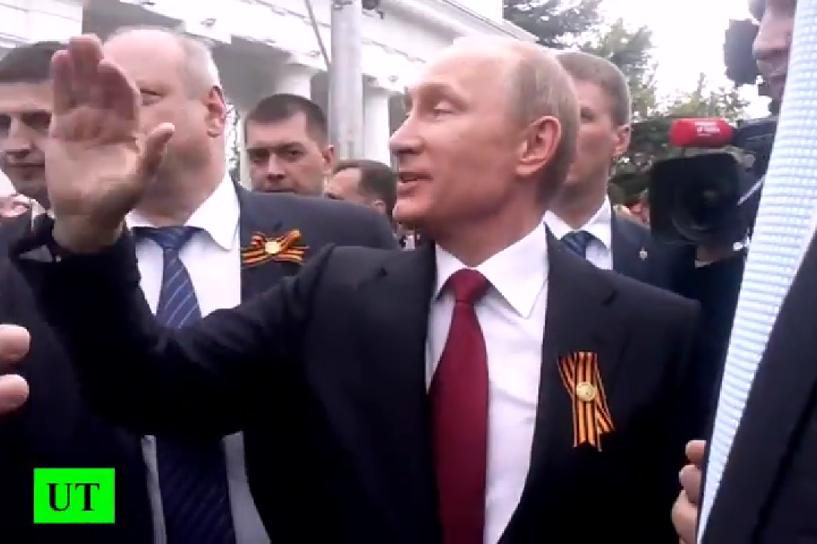 Путин приехал в Крым и довел жителей до истерики