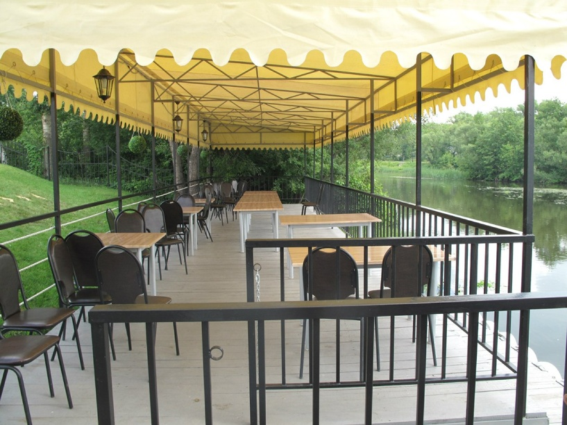 Кафе «Посейдон» приглашает гостей на летнюю площадку