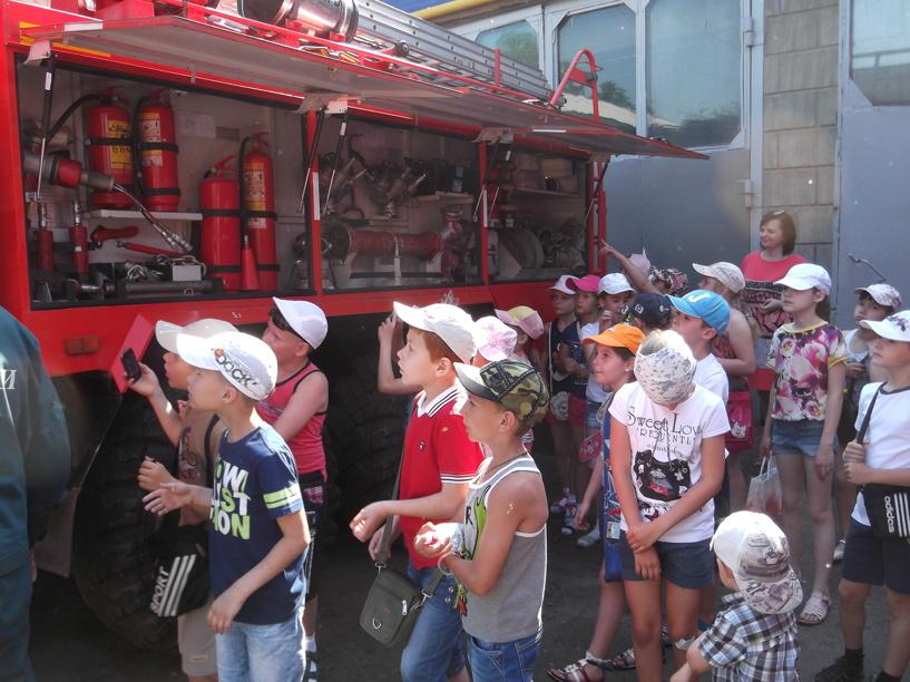 Мичуринские школьники побывали в гостях у спасателей
