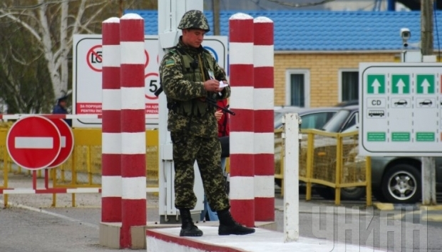Украина решила частично перекрыть границу с Россией