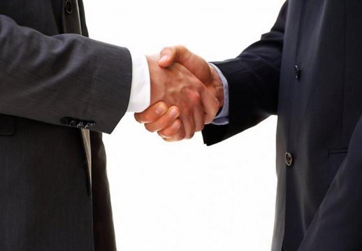 Россия и Китай планируют подписать в понедельник крупнейший газовый контракт