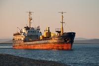 Погода помешала водолазам искать судно, затонувшее в Охотском море