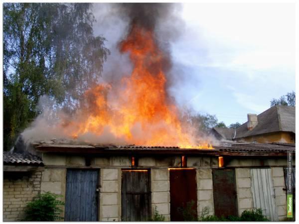В центре Тамбова загорелся частный сектор
