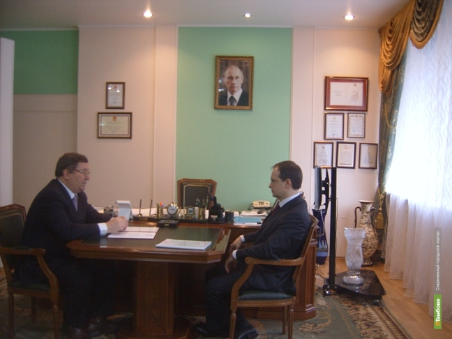Губернатор подписал постановление о повышении зарплат работникам культуры
