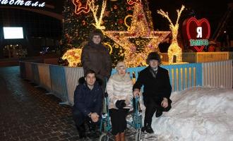 Добраться до новогодних площадок тамбовским инвалидам помогут волонтёры