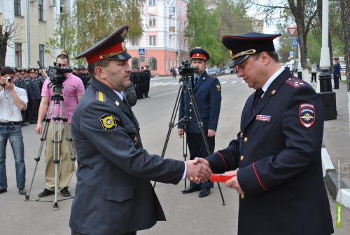 Тамбовского полицейского наградили за отвагу на пожаре
