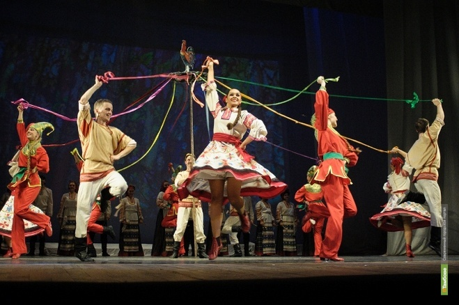 В Рассказовском районе выступит ансамбль песни и танца «Ивушка»