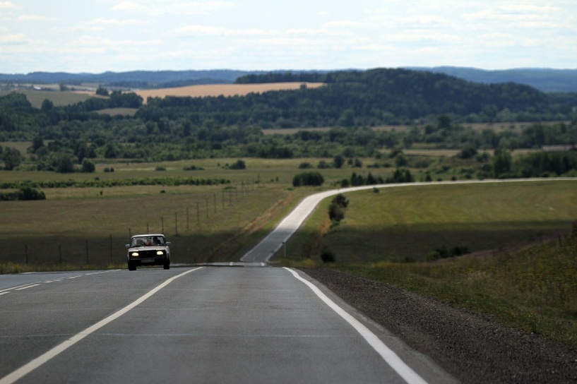 Дмитрий Медведев считает, что в России строят мало дорог