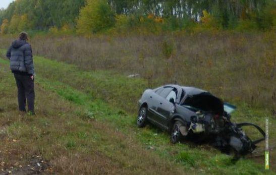 В Тамбовской области легковушка врезалась в фуру: погибли два человека