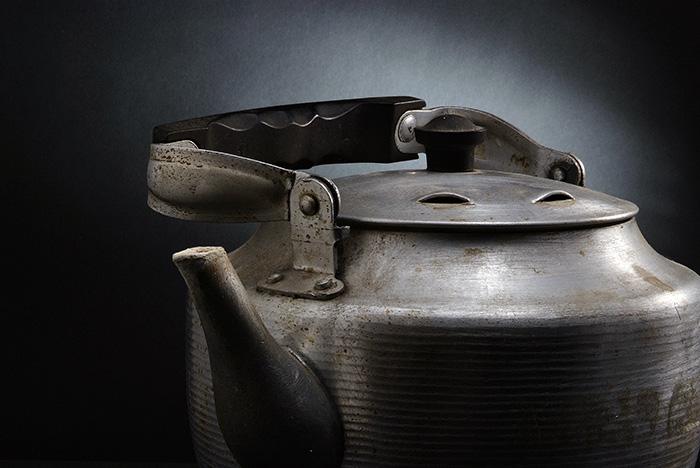 Заведующих детскими садами оштрафовали за чайники с поврежденной эмалью и отсутствие теневого навеса