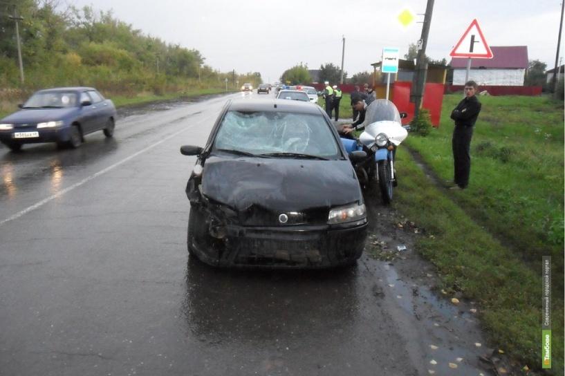 В Мичуринске не разъехались мотоцикл Урал и Fiat