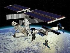 Экипажу МКС придется задержаться на орбите