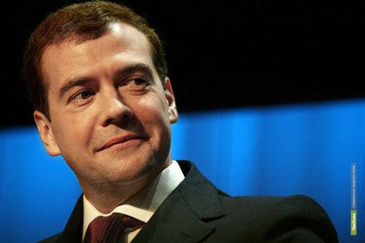 Интервью Медведева покажут на центральных каналах ТВ
