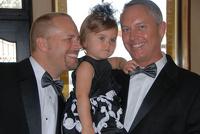 Немецким геям разрешат усыновлять детей