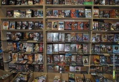 Тамбовские полицейские обнаружили павильон с пиратскими дисками