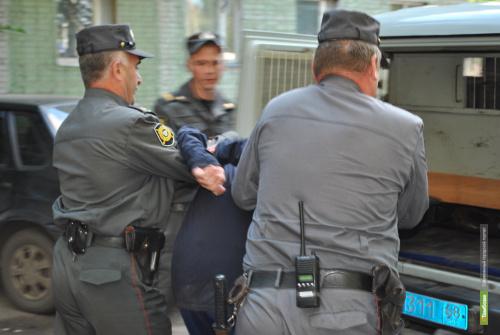 Тамбовчанин помог полицейским задержать насильника
