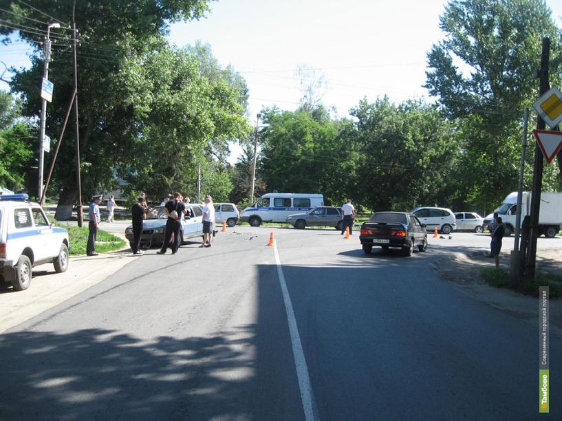 Тамбовский скутерист попал под колеса «девятки»