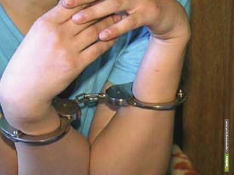 В Мичуринском районе мать порезала ножом своих малолетних дочек