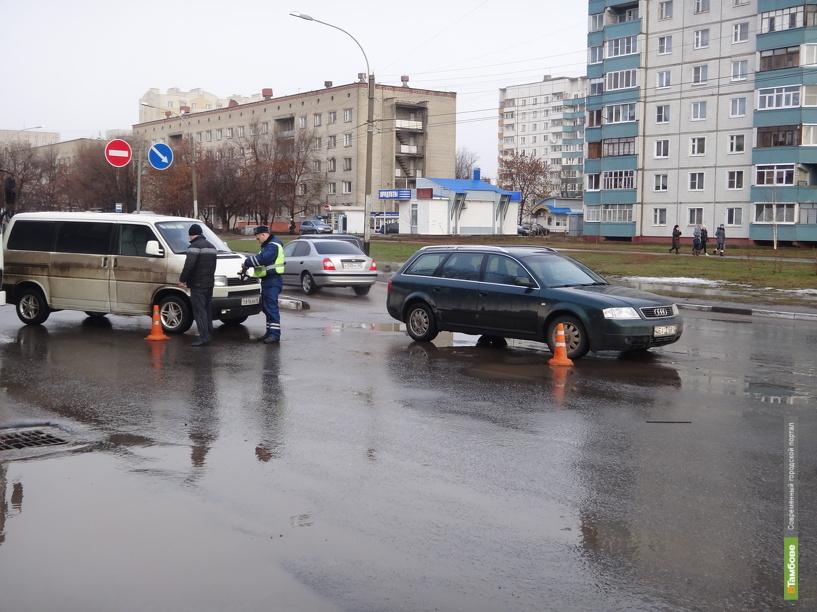 В Тамбове «Volkswagen» и «Audi» не поделили дорогу