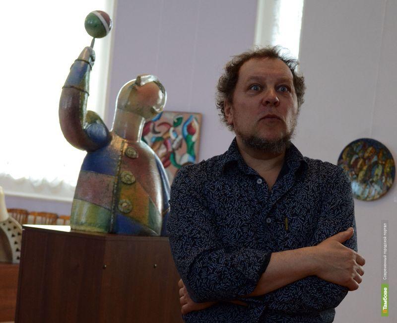 Питерский художник показал тамбовчанам авангардное искусство: фоторепортаж