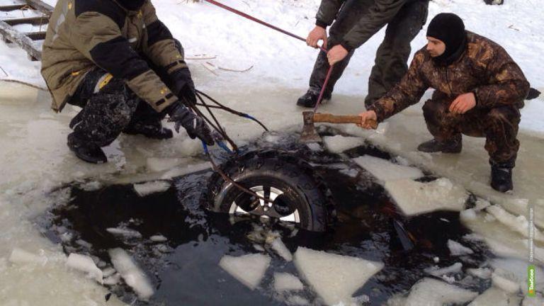 Народная новость: Любитель квадродвижения провалился под лёд