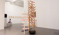 В Германии уборщица музея испортила дорогую инсталляцию