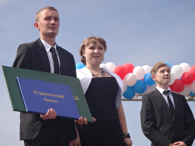 Тамбовские первокурсники увидят шоу барабанщиц и солдат Преображенского полка